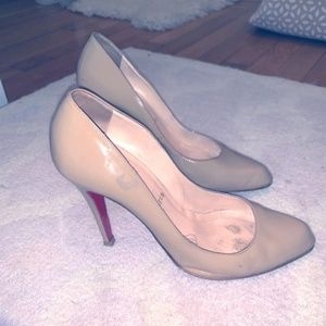 Christian Louboutin Nude Patent Leather Pump